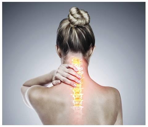 Gli esercizi per alleviare il dolore cervicale