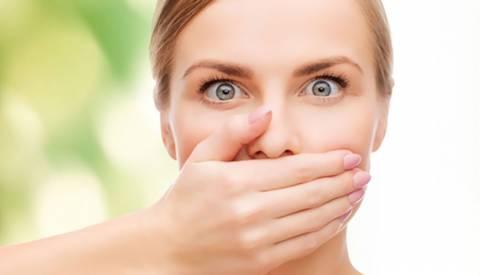 Alitosi: la causa è solitamente nella bocca